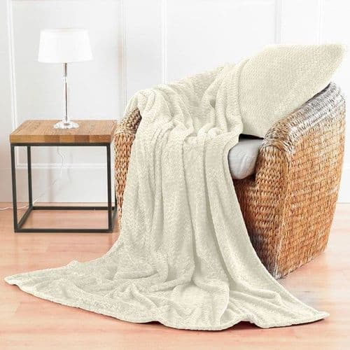 Chevron microfibre throw cream