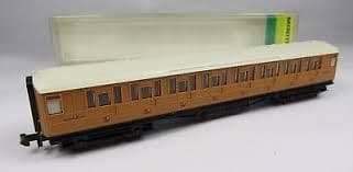 Minitrix Third Coach LNER