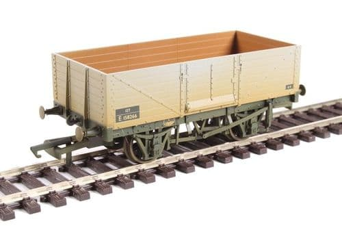 Oxford 6 Plank Mineral Wagon Weathered - OO Gauge