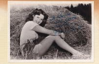 Mala Powers Old Hand Signed 7x5 Laid Down Western Photo