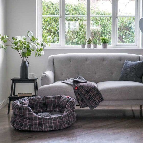 Plaid Oval Dog Bed
